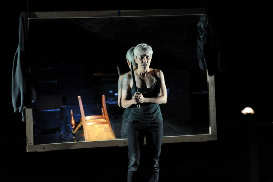 Melissa Dunphy stars in iHAMLET at The Philadelphia Shakespeare Theatre (Photo credit: Kendall Whitehouse)