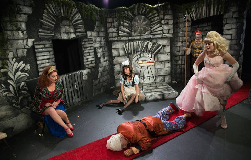 The cast of IRC's EXIT THE KING, with Robb Hutter and Anna Lou Hearn in the foreground and Patricia Durante, Jenna Kuerzi, and Bob Schmidt in the background (Photo credit: Johanna Austin)