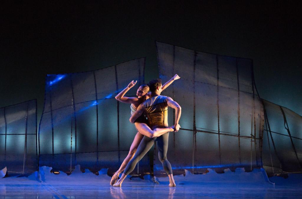 Pennsylvania Ballet principal dancer Lauren Fadeley and Soloist James Ihde in Christopher Wheeldon's DGV: Danse à Grande Vitesse Photo by Alexander Iziliaev.