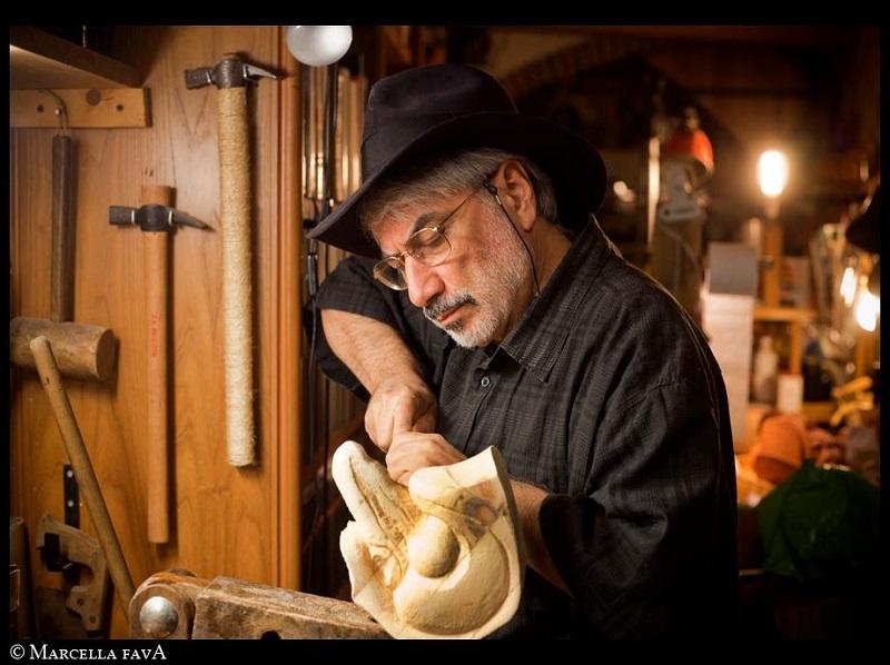 Antonio Fava making masks, photo by Marcella Fava