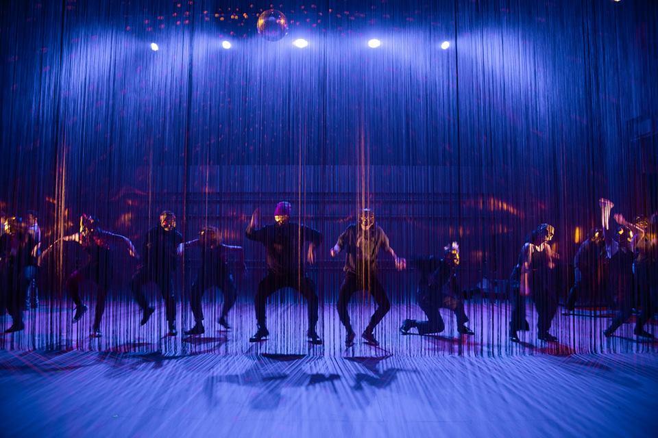 A visually stunning production of ROMEO AND JULIET. Set by Matt Saunders. Photo by Joanna Austin.