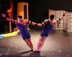 CIRQUE DU GAY (Quince): Circus in stockings and buttless chaps