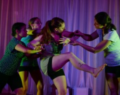 [63] GLOW (Kaleid Theatre): Fringe review