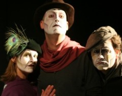 Commedia, Terrorism, and Royalty: Inis Nua's DUBLIN BY LAMPLIGHT